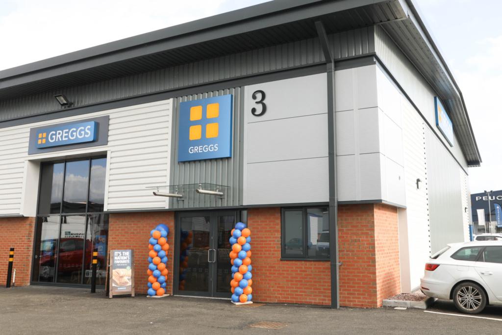 Leading food retailer signs at St. Modwen's Albion Gateway