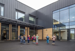 New primary school opens at Locking Parklands