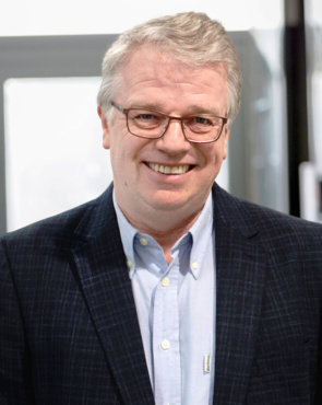 Simon Clarke, DL